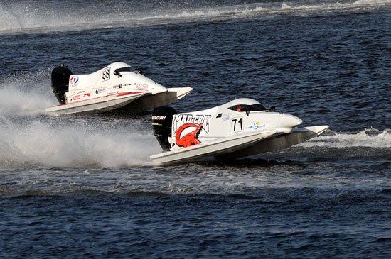 F1摩托艇青年精英赛首日 吴昺辰逆转获第三