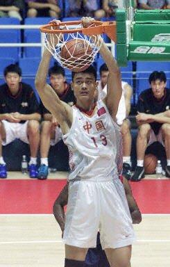从姚明王治郅到学生军 中国男篮大运实现蜕变