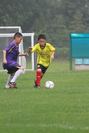 河南省校园足球冠军杯赛 郑州农业路小学夺魁