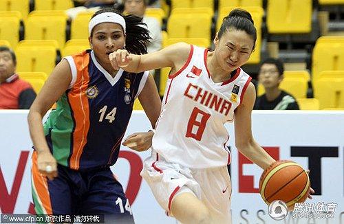 女篮单节爆发49分大胜印度 12人登场均有得分
