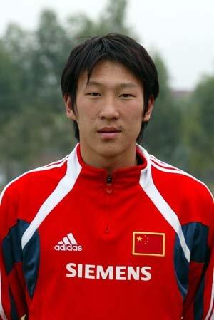 中国国家队球员关震