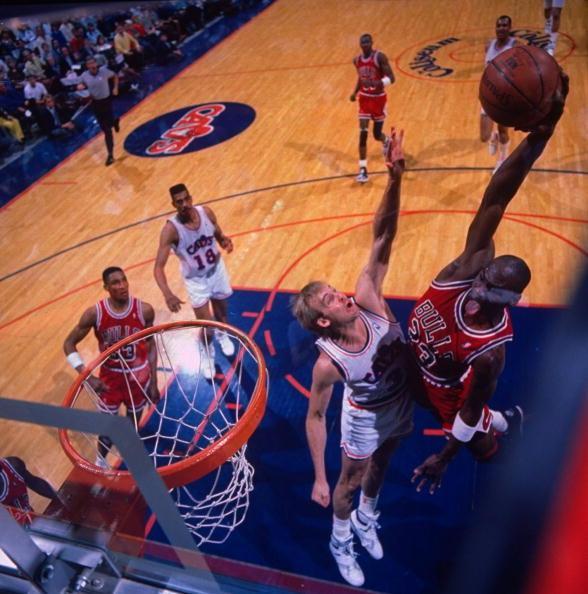 《NBA真探》:揭幕战乔丹两砍50+ 科比魔兽对喷