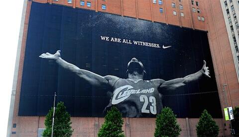 詹姆斯的巨幅海报