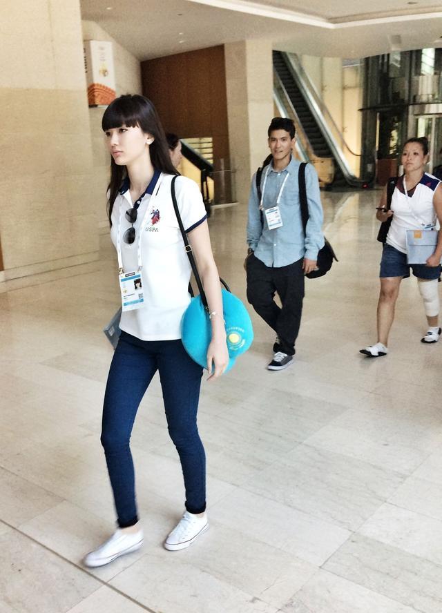 哈萨克女排美女抵吉隆坡