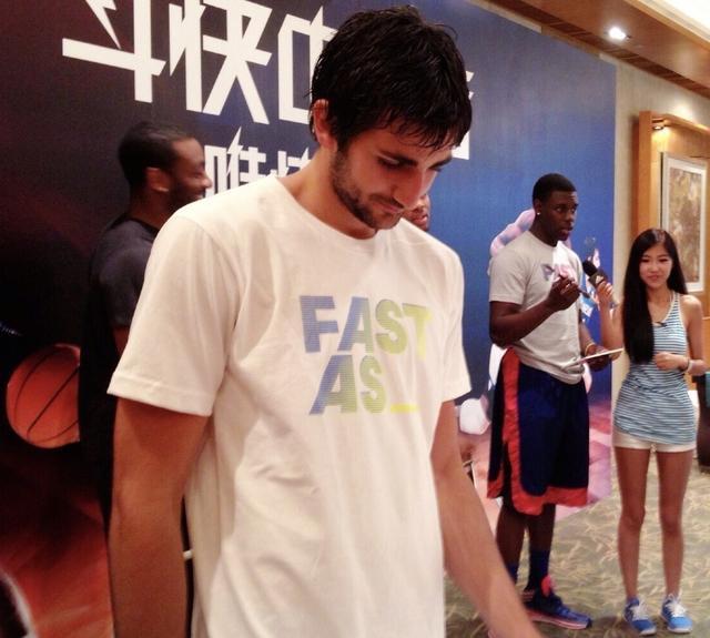与周玲安合作过的NBA西部控卫 哈登库里领衔