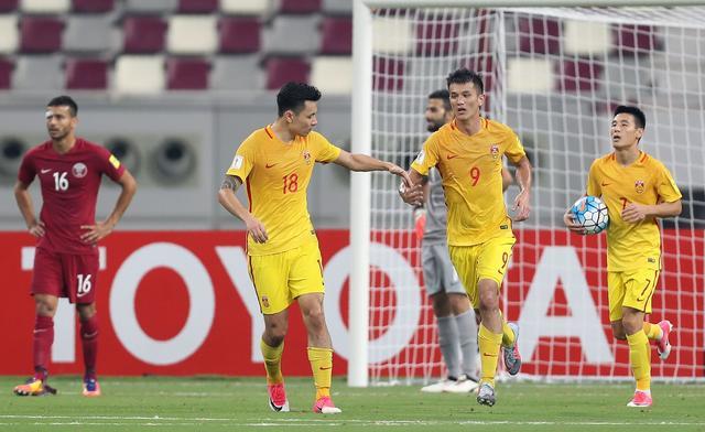 郑智染红武磊绝杀!国足2-1仍出局 客场首胜卡塔尔