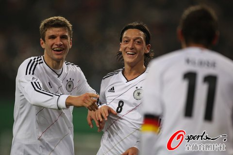 德国对荷兰52年最大胜 勒夫75场52胜堪称完美