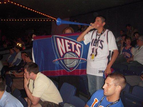 呜呜祖拉响彻NBA选秀现场 出局法国球迷被嘘