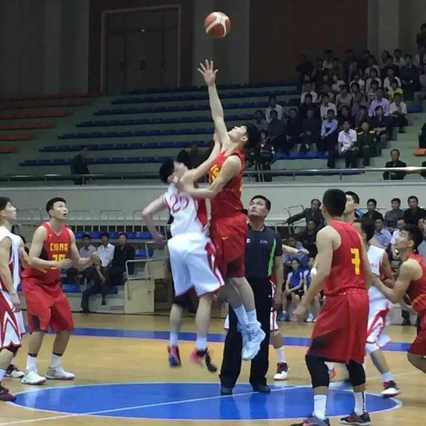 国奥男篮朝鲜热身曝光 网友调侃:赢球不重要