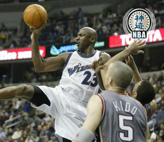 【NBA神迹】乔丹最后的疯狂 40岁飞人砍43分