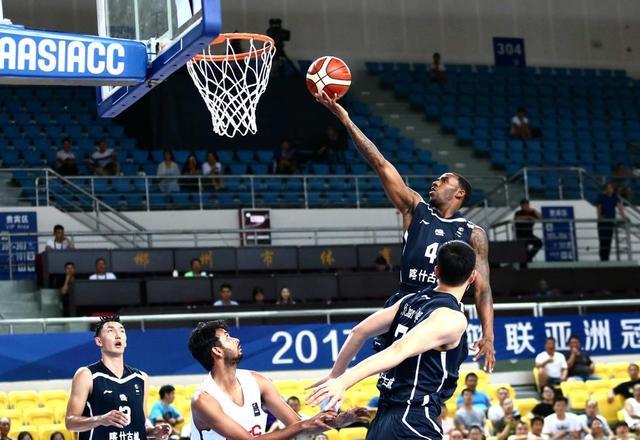篮球亚冠-新疆45分狂胜印度石油 豪取三连胜