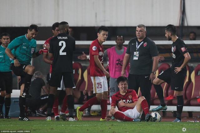《365bet体育在线》亚足联重罚阿赫利 亚冠决赛踩郑龙者停赛三场