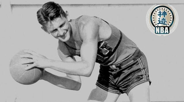 奥西-谢克特曼是NBA历史上第一个得分的球员