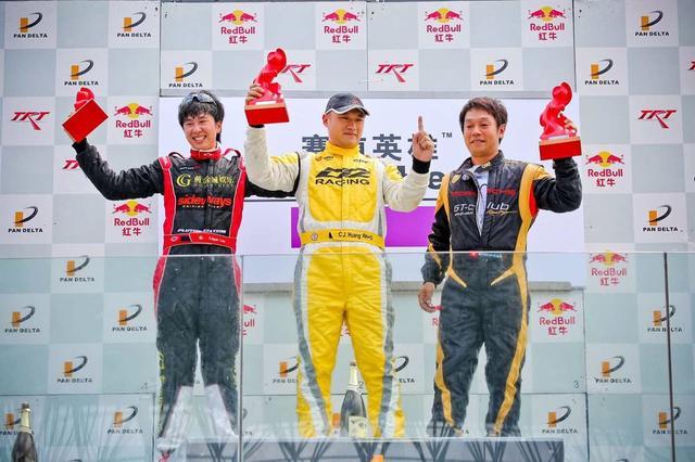 黄金城车队全力出击泛珠夏季赛 两度登领奖台
