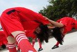 女足球员训练