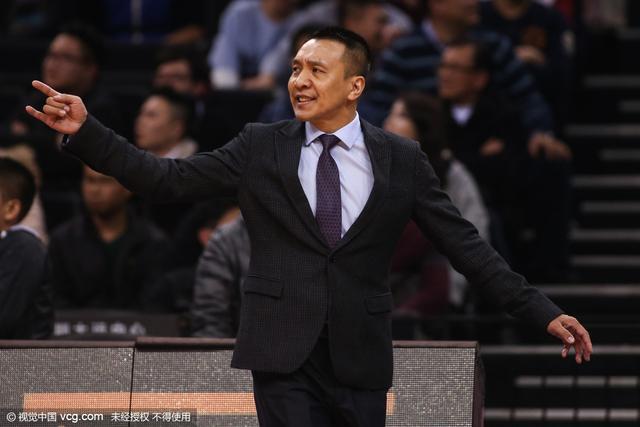 李群下课将继续任篮球学校校长 监督一队训练