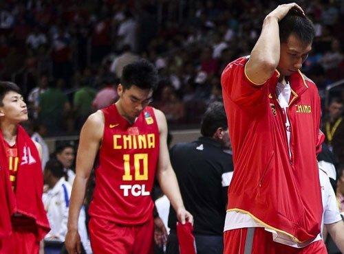 八问中国男篮怎么了 李元伟:打法和精神都差