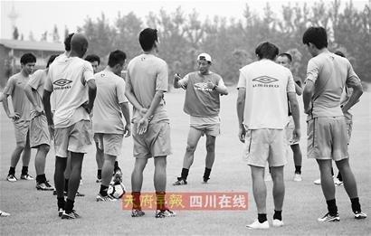 王宝山:冲超9月见分晓 3场比赛起决定性作用