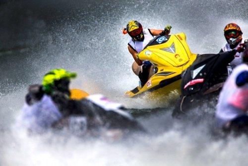世界水上极速赛再战柳州 业内人:水上运动步入黄金期