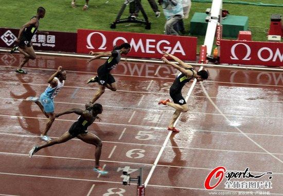 12秒97!今年最好成绩!刘翔上海赛成功卫冕