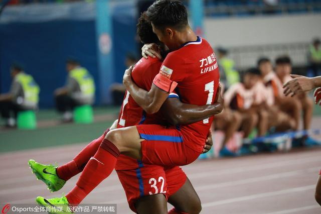 半场战报-力帆1-0辽足 吴庆建功卡尔德克中柱