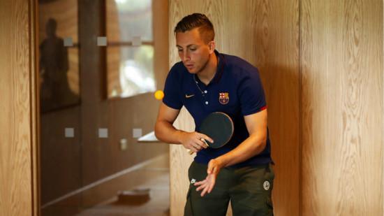德乌洛费乌秀乒乓球技术 拉菲尼亚热爱恩里克