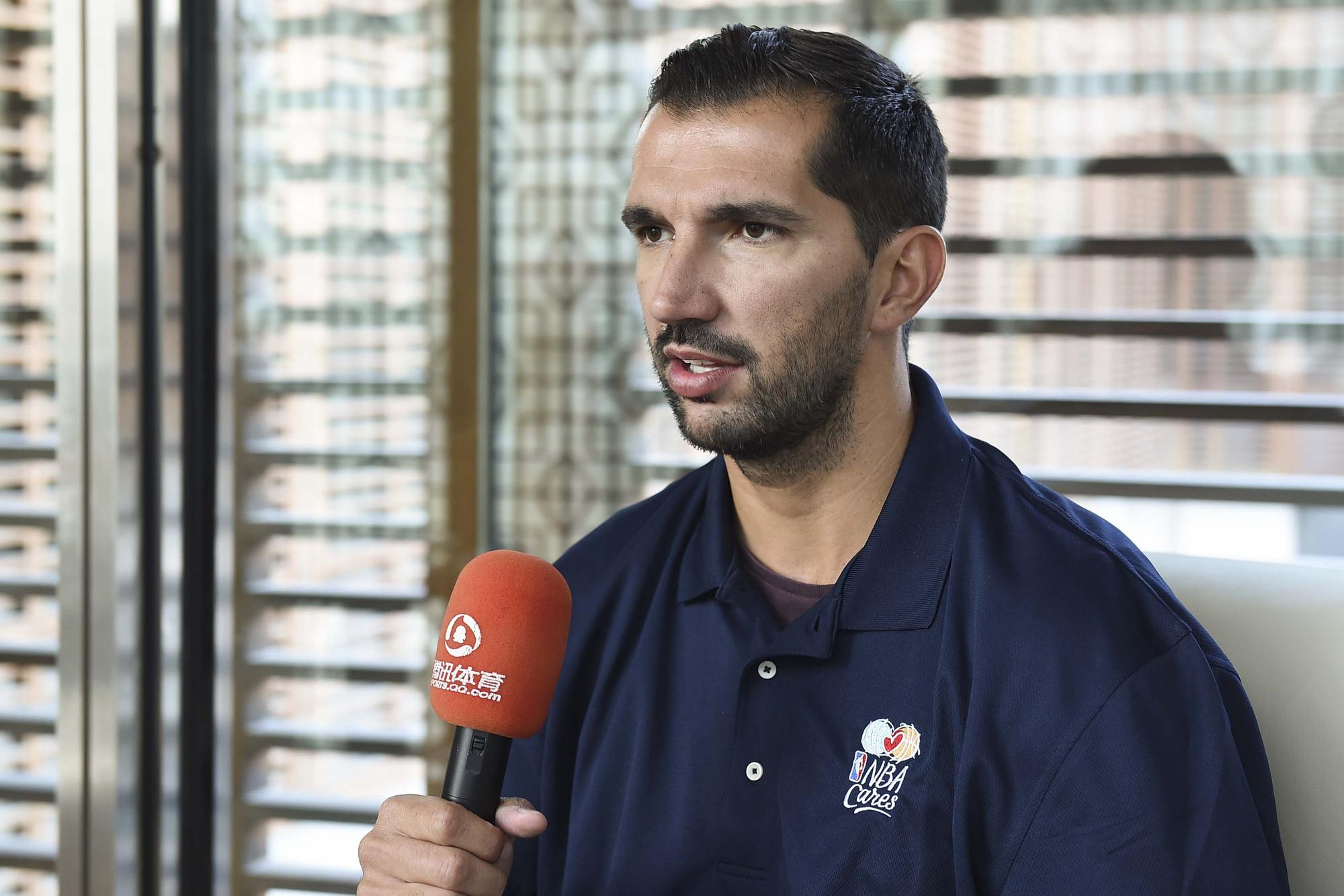 专访佩贾:退役之后玩乒乓 最爱射手是库里截图