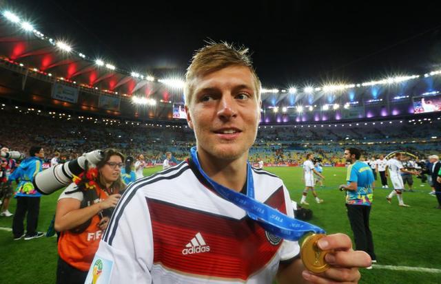 克罗斯当选2014德国年度最佳 终结厄祖3连霸