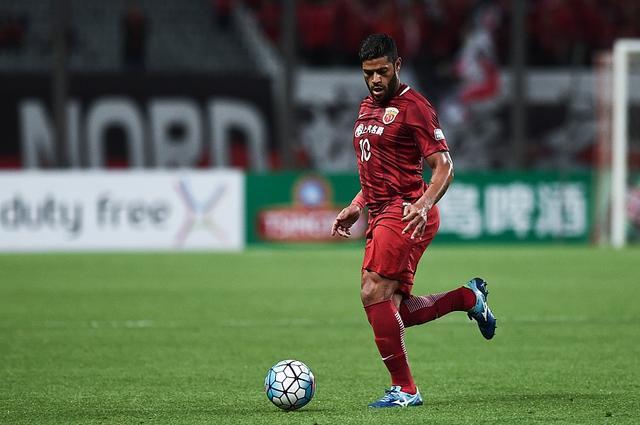 上港两外援获评亚冠最佳阵容 沙特豪门8人入选