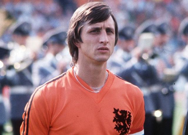 克鲁伊夫球员生涯:3夺欧洲足球先生 无冕之王
