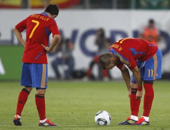 悲情比利亚遭双线摁杀 西班牙第一射手走背字