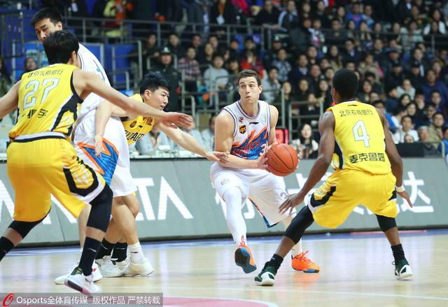 上海17分大胜北控 弗神35分亚布塞莱19+10+7