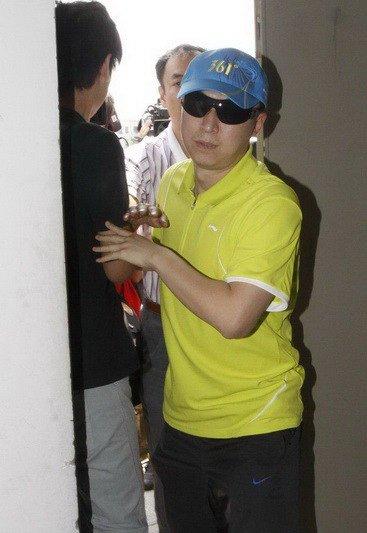 ...竭滥情型:你爱我还是他?代表人物:乒乓球明星马琳马琳和张宁