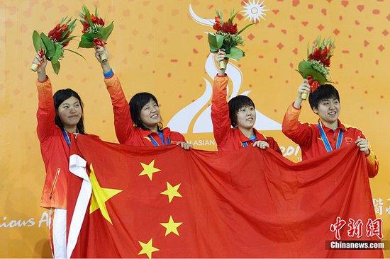 女4*100米自由泳接力 中国小花胜日本摘金