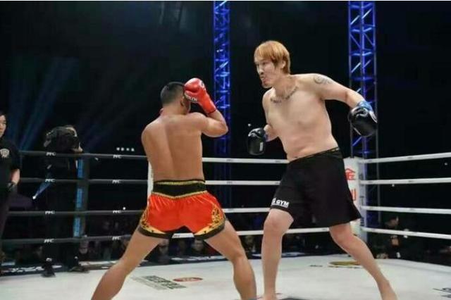 周志鹏赞邹市明技术无敌 12月将改打职业拳击