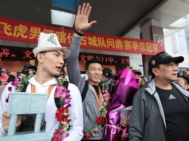 苏群:新疆夺冠背后的3个男人 董事长患便血