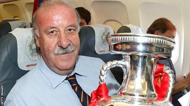 西班牙足协宣布博斯克离任 最佳主帅当之无愧