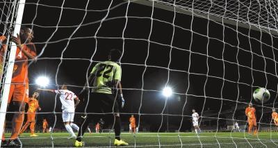 国足幸福来得很晚 下半场体能占优6-0胜不丹