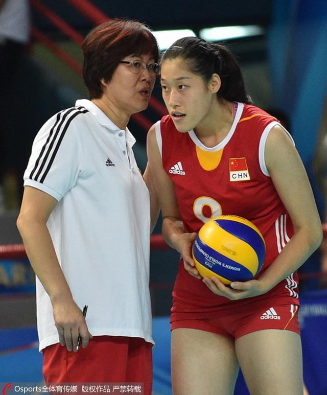 刘晓彤关键发球曾轰晕对手 女排战里约或有她?