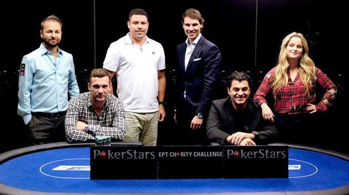 纳达尔罗尼参加扑克赛 场景如正太PK大叔