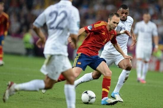 西班牙大师给齐祖生日添堵 他是不进球的梅西