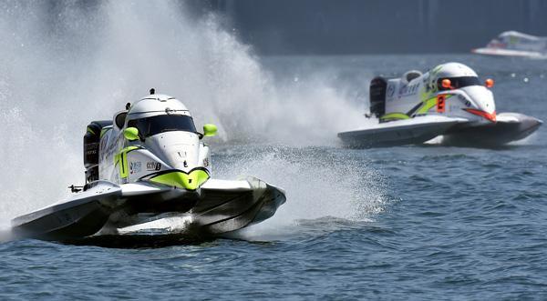 F1摩托艇葡萄牙站:中国天荣现世界冠军风采