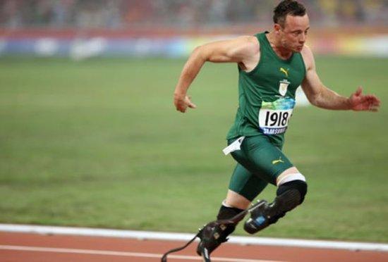 无腿飞人比传奇更传奇 400米成绩压倒博尔特