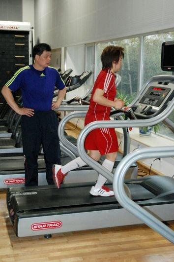 中国女排先期集训首日 低强度恢复为主(图)
