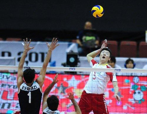 世界杯-中国男排3-0横扫伊朗 取首胜摆脱垫底