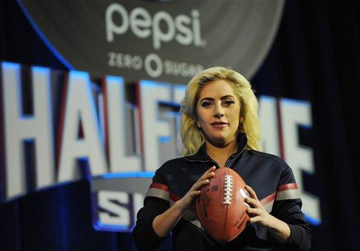 NFL超级碗中场秀 百变大咖LadyGaga独领风骚