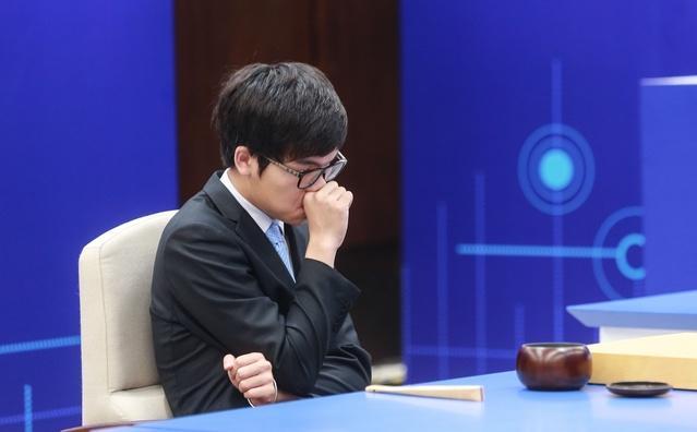 棋院改赛制 LG杯半决赛柯洁遭逆转首败井山裕太