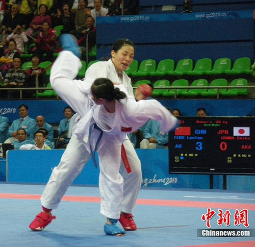冯兰兰劈落第184金 创中国军团亚运金牌历史新高