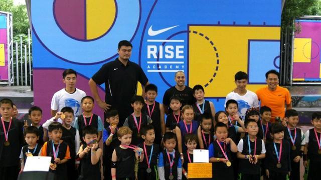 呼吁青少年多参与体育运动
