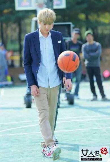 吴亦凡搭档麦蒂打NBA名人赛 让人刮目相看!